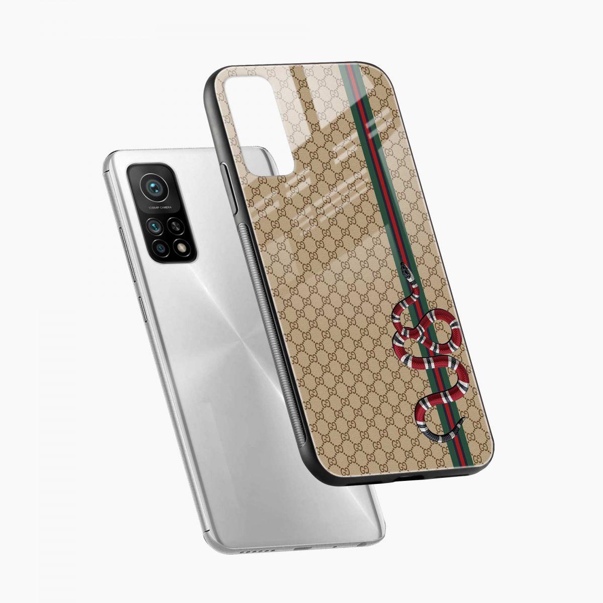 gucci snake pattern xiaomi mi 10t pro back cover diagonal view