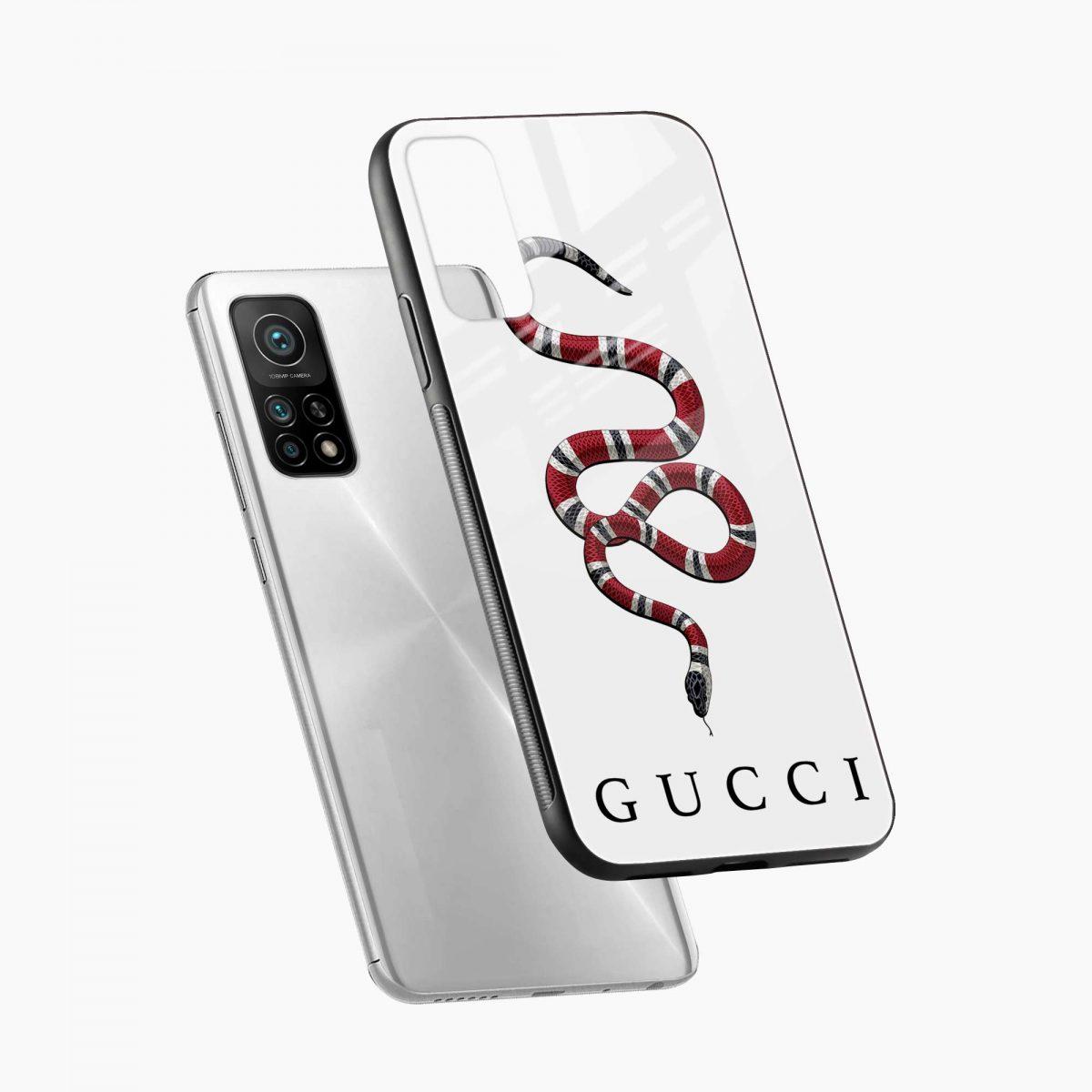 white gucci snake xiaomi mi 10t pro back cover diagonal view