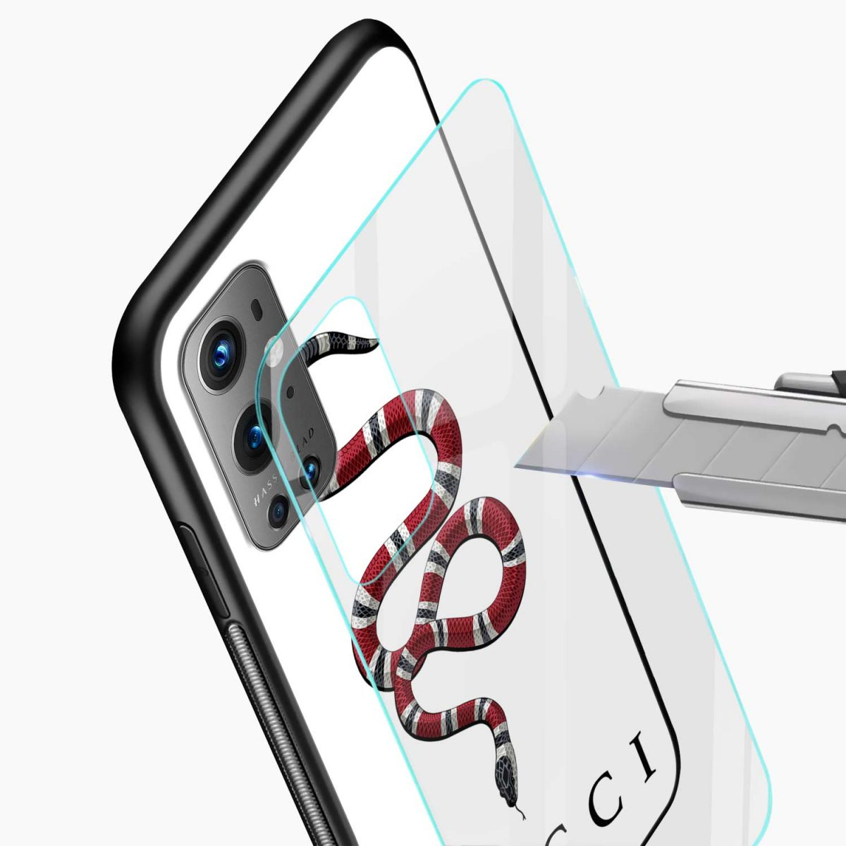 white gucci snake glass view oneplus 9 pro back cover