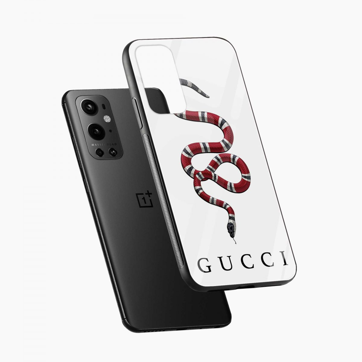 white gucci snake diagonal view oneplus 9 pro back cover
